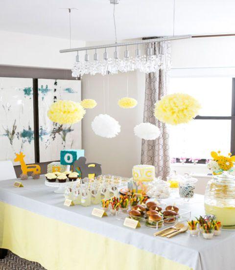 Tablecloth, Yellow, Interior design, Decoration, Linens, Centrepiece, Bouquet, Interior design, Petal, Cut flowers,