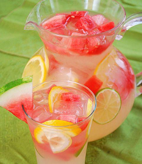 14 Stunningly Beautiful Pitcher Drinks - Watermelon Lemonade