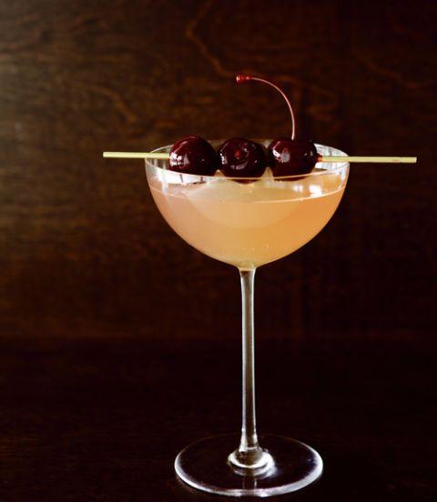 Glass, Stemware, Food, Ingredient, Tableware, Drink, Liquid, Martini glass, Fruit, Drinkware,