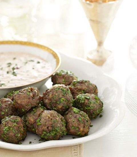 cocktail meatballs with creamy cranberry sauce