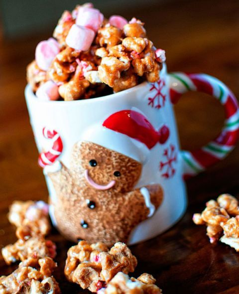 peppermint hot chocoalte caramel corn