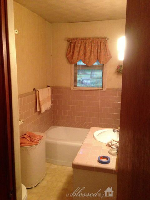 Blogger Myras Bathroom Was Far Too Dated For Her Taste The My Blessed Life Blogger Recruited Her Husband And Embarked On A Diy Project To Update The Space