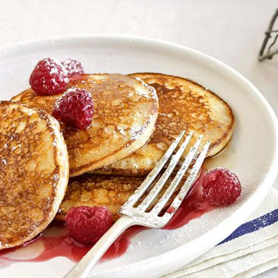 plate of silver dollar pancakes
