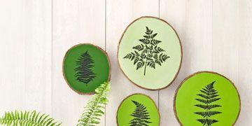 green wood stump plaques with fern motif