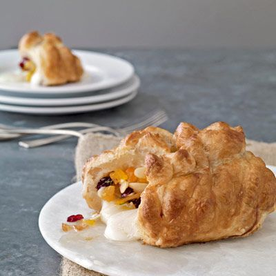 cranberry apricot baked brie honey