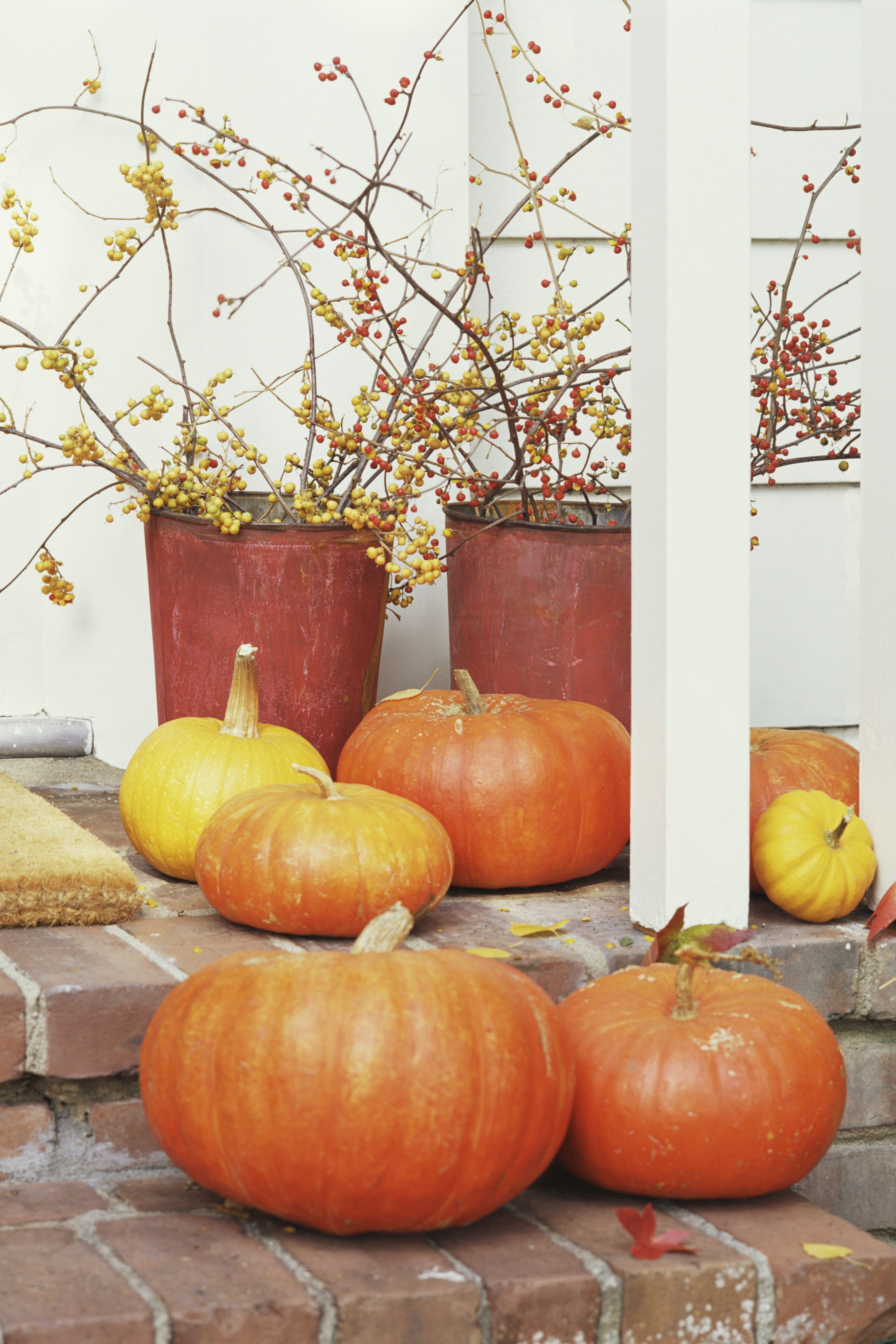 easy front porch halloween decorations