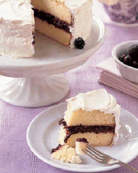lemon blackberry cake with lemon buttercream