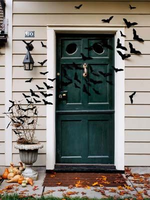 Weu0027re batty for this creative craft. & Bat-Filled Front Door- Halloween Craft Ideas