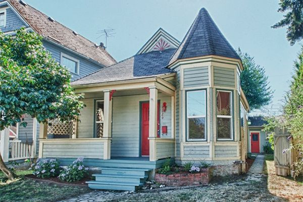 Little Houses For Old House Lovers - Historic Homes For Sale