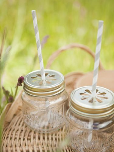 Glass, Mason jar, Transparent material, Home accessories, Silver, Circle, Lid, Bottle, Natural material, Glass bottle,