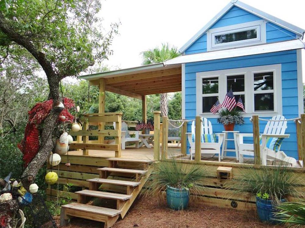 - 72 Best Tiny Houses 2018 - Small House Pictures & Plans