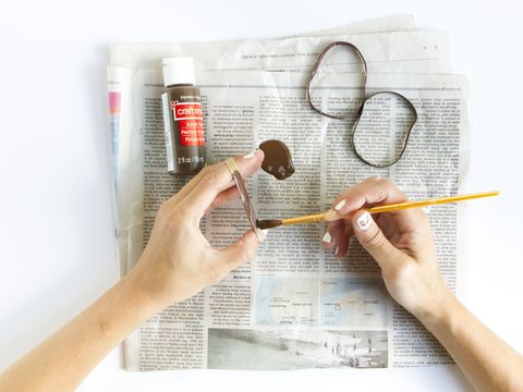 Finger, Product, Hand, Stationery, Office supplies, Nail, Paper, Paper product, Paint, Document,