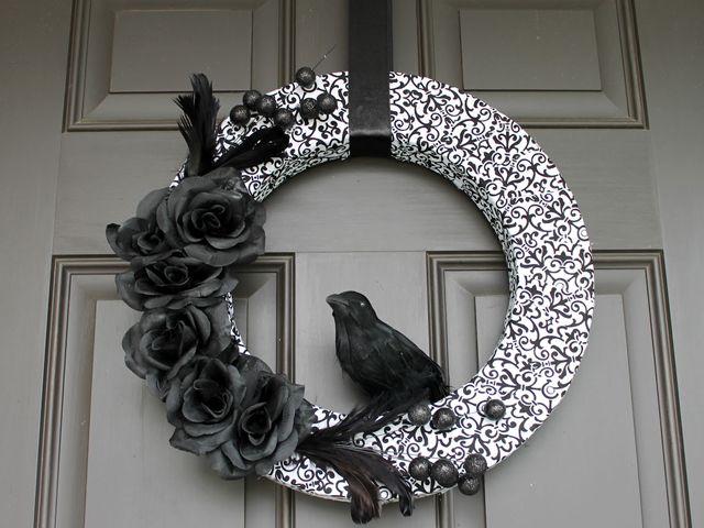 30+ DIY Halloween Wreaths - How to Make Halloween Door Decorations ...
