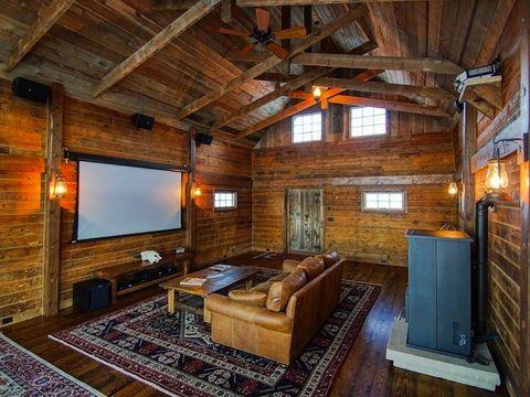 Disney S Granddaughter Buys Historic Steamboat Springs