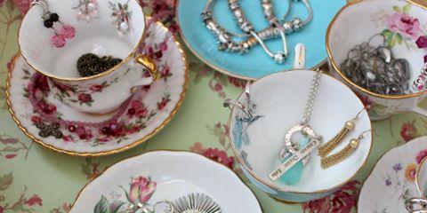 Serveware, Dishware, Porcelain, Tableware, Pink, Plate, Purple, Ceramic, Teacup, Saucer,