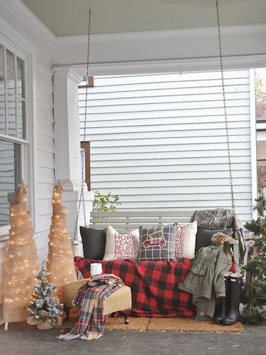 A Rustic North Carolina Rental Decked Out for Christmas