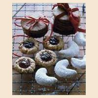 raspberry linzer thumbprint cookies