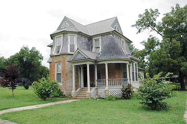 10 Beautiful Historic Houses For Sale For Under $100,000   Affordable Real  Estate