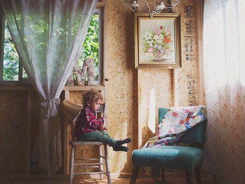 Interior design, Room, Textile, Interior design, Comfort, Window treatment, House, Curtain, Visual arts, Window covering,
