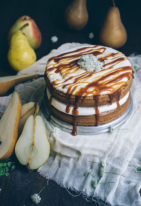 brown butter pear cake with run caramel