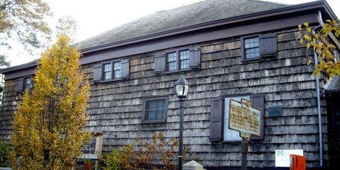 Property, Real estate, House, Signage, Brickwork, Sash window, Brick, Autumn, Sign, Listed building,