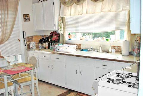 kitchen before makeover