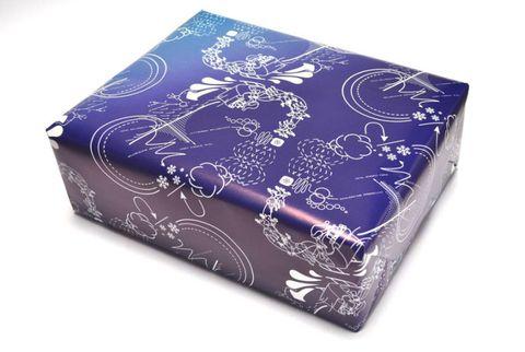 santa print wrapping paper