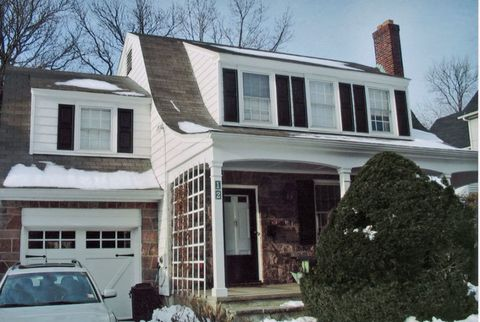 Before: Basic Dutch Colonial Architecture