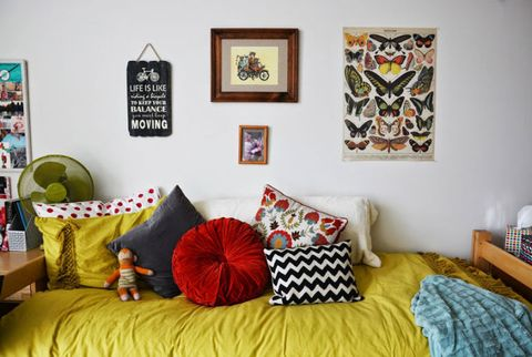 Room, Textile, Wall, Interior design, Furniture, Bedding, Linens, Pillow, Bed sheet, Bedroom,