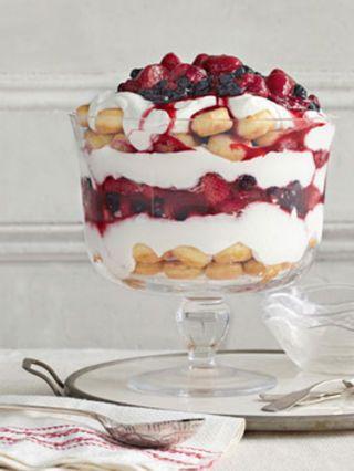 vanilla yogurt and berry trifle