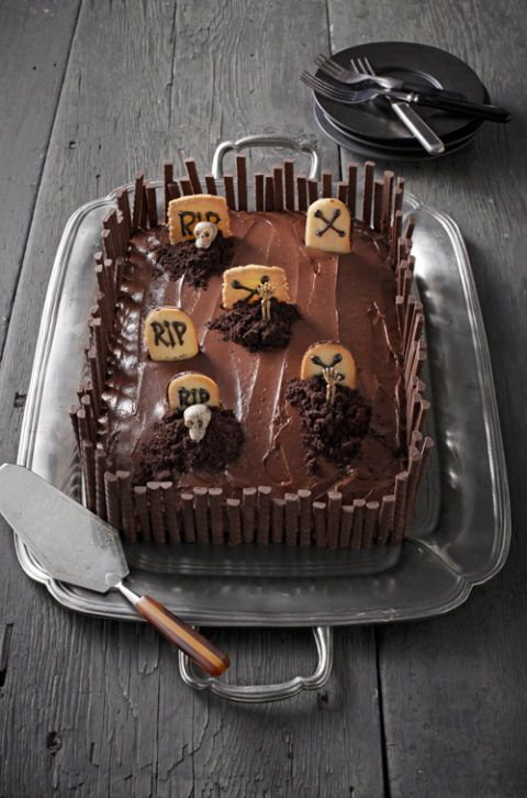 70 Easy Halloween Cakes Halloween Cake Recipes And Decorating Ideas