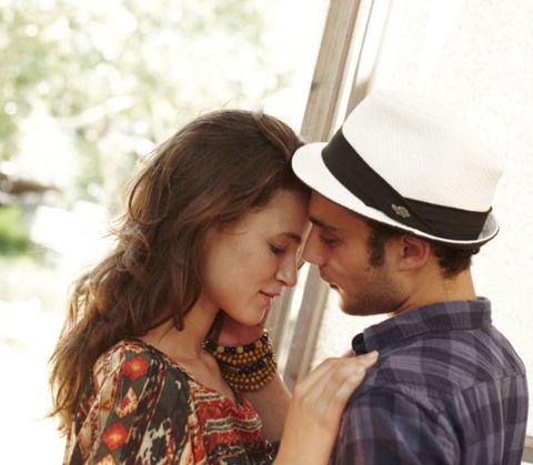 Ear, Mammal, Interaction, Fashion accessory, Love, Romance, Plaid, Gesture, Costume hat,