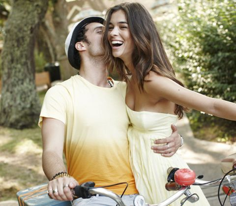 Happy, People in nature, Summer, Interaction, Love, Honeymoon, Bicycle accessory, Romance, Friendship, Necklace,