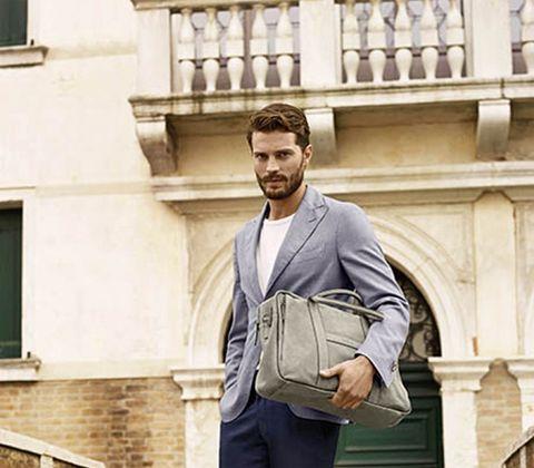 Sleeve, Collar, Shoulder, Outerwear, Coat, Style, Dress shirt, Blazer, Bag, Street fashion,