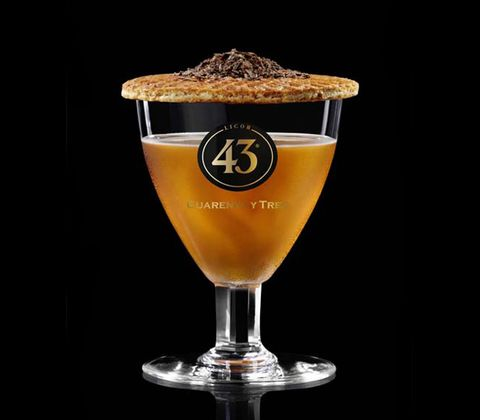Glass, Barware, Drinkware, Drink, Alcoholic beverage, Liquid, Tableware, Amber, Alcohol, Beer,