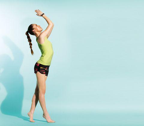 Finger, Human leg, Shoulder, Elbow, Joint, Standing, Waist, People in nature, Wrist, Knee,