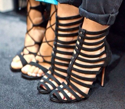 Footwear, Joint, Toe, High heels, Fashion, Foot, Tan, Close-up, Sandal, Ankle,
