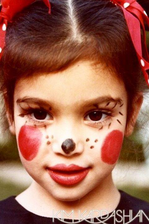 Head, Nose, Mouth, Lip, Cheek, Forehead, Entertainment, Red, Performing arts, Eyelash,