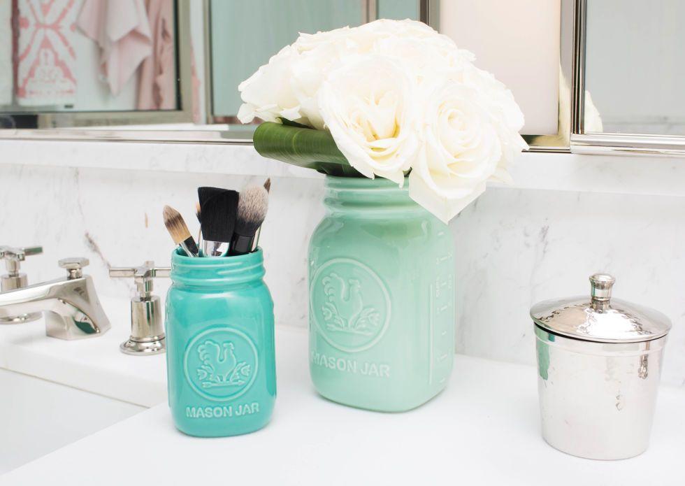 Badkamer Decoratie Tips : Geniale tips om je badkamer opgeruimd te houden