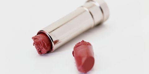 gebroken lippenstift