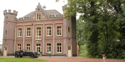 Manor house, Mansion, House, Lawn, Palace, Stately home, Estate, Villa, Antique car, Luxury vehicle,