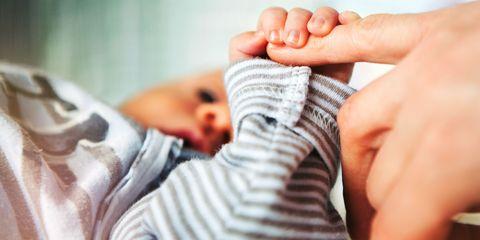 Finger, Comfort, Skin, Nail, Child, Baby & toddler clothing, Thumb, Toddler, Toe, Baby,