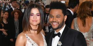 Selena-Gomez-en-The-Weeknd-op-Met-Gala-2017