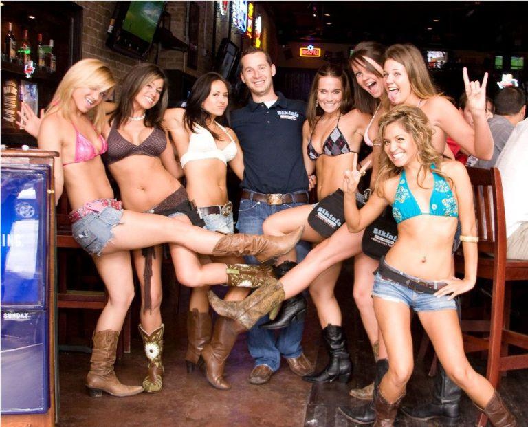 Hot Shots Sports Bar & Grill - American (Traditional) - La