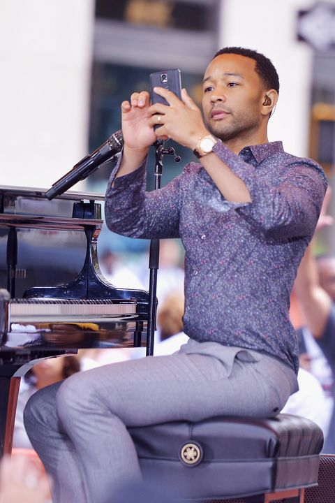 Music, Hand, Music artist, Microphone, Sitting, Artist, Public address system, Song, Singer, Singing,