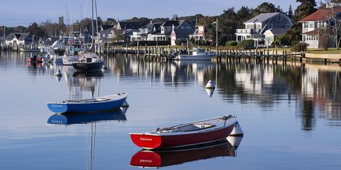 Mode of transport, Reflection, Watercraft, Transport, Boat, Water, Waterway, Boats and boating--Equipment and supplies, Harbor, House,