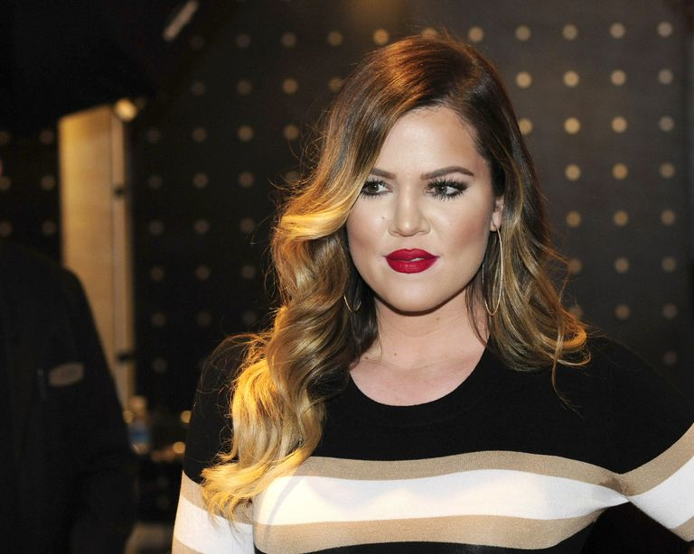 Khloé Kardashian Lifts Top to Show Off Her New Ripped Abs
