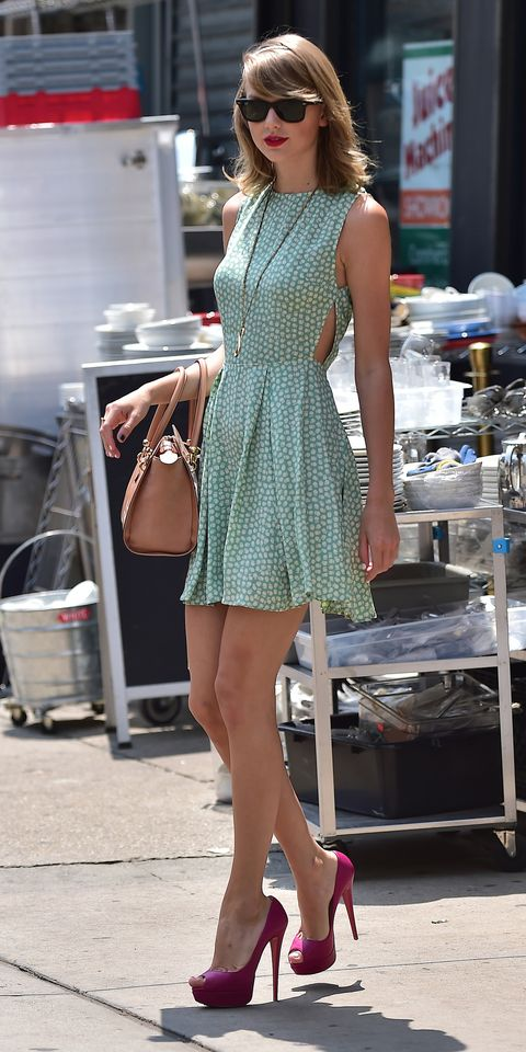 Clothing, Leg, Human leg, Dress, Shoulder, Joint, Fashion accessory, Style, Bag, Street fashion,