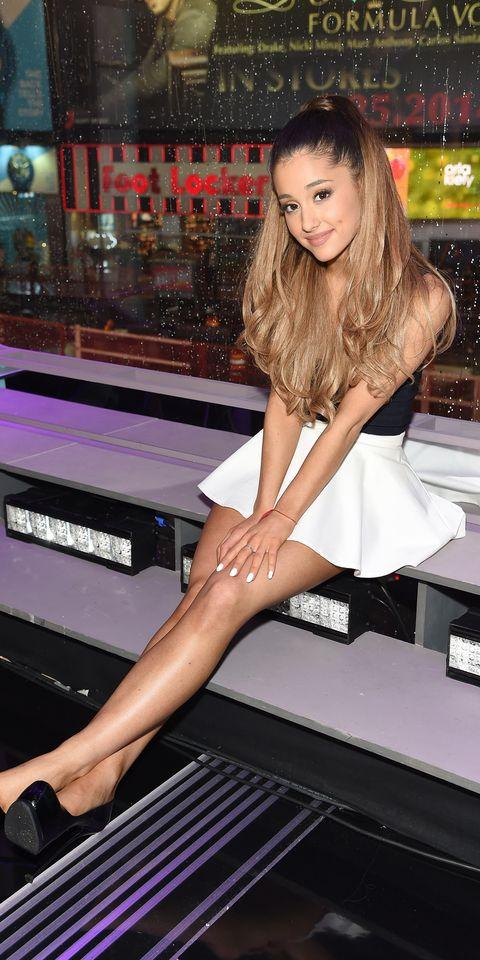 Leg, Human leg, Style, Dress, Thigh, Fashion, Long hair, Model, Brown hair, Fashion model,