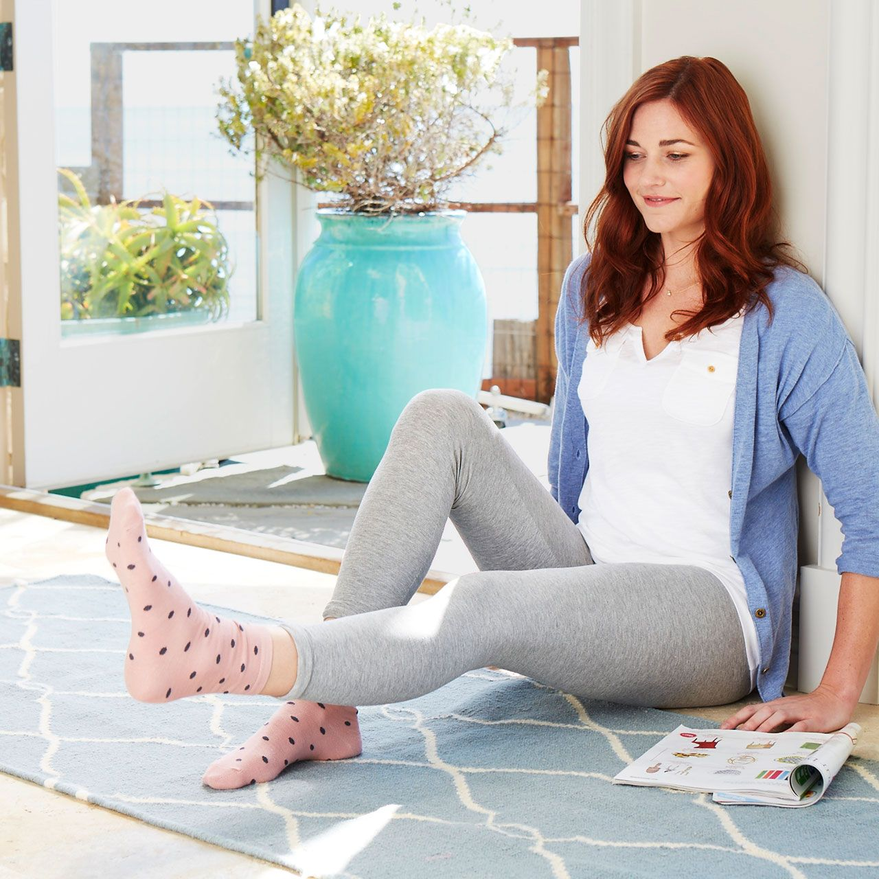 <p>Pull your belly button in to engage your abs and raise your left leg off the floor as high as you can without arching your back. Lower the leg (don't let it touch the ground), and do 15 continuous reps. Switch sides, then go on back to relaxing.</p>